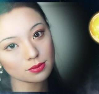 【中秋·嫦娥仿妆】陈红扮演的嫦娥眉眼疏离,气质冷清,是我心中最美嫦娥的模样,这个妆就用来致敬我的童年女神吧~#我要上千亿国际##女神##美妆#@美拍小助手