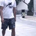 TNT跑酷团队 李一奇 9月freerunning新作品!#TNT跑酷##我要上热门@美拍小助手#