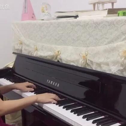 小幸运#音乐##钢琴#(和妹妹合作一段小幸运,她有点小感冒嗓子不太舒服,我也失误了,有些瑕疵)