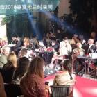 Dolce Gabbana the Secret Show!小范围的秀跟大秀很不一样,每个模特走过都有鼓励的掌声欢呼声~设计师跟嘉宾坐在一起看秀,也举着手机一直拍~是个大Party~