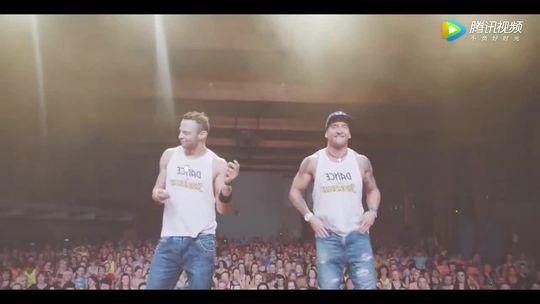 全球最火神曲《Despacito》舞蹈教学,几百人一起跳,场面好壮观!😍