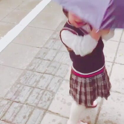 这两天爸爸送姐姐🍡上学🎒!#宝宝##混血儿#