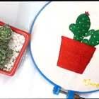 心血来潮买了一盆仙人掌,从白天绣到晚上。缎面绣、结粒绣、轮廓绣都是最简单的针法,你们也试试为家里的植物做一件小刺绣吧。#手工##日志# 点赞+评论抽一位宝宝送刺绣材料包。👉