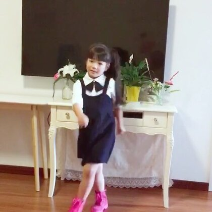 #舞蹈##有戏panama#迟到的panama练了近一个小时,#甜甜编舞#@甜甜SWeeTs💞 @舞蹈频道官方账号 @小甜甜爱跳舞 @美拍小助手