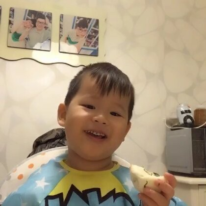 #吃秀##宝宝#大包子,🍜,一样不差,您猜猜泡泡吃了几个包子。😂。