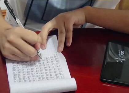 我从上午写字写到晚上只为了告诉你一支笔可以写多少字#作死##搞笑##我要上热门@美拍小助手#