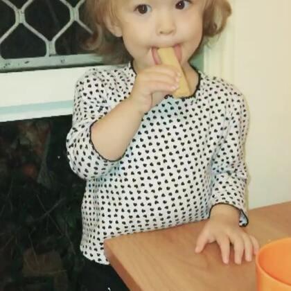 随手拍😁#伊诺1岁9个月#