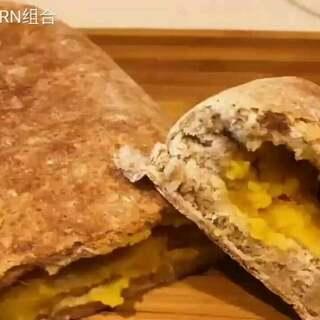 热气腾腾的~黄油地瓜香麦包~做好啦~😜😜好吃又健康~做法拿去吧~
