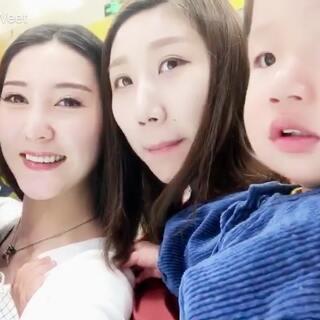 曾经的两个小孩都变成孩儿妈了#宝宝##好好22个月#