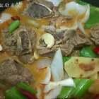 泡椒猪骨#美食##家常菜#哎呀呀,这要是加入粉丝吸汤汁,那得多美味😍