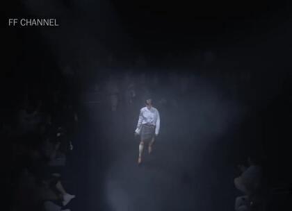 Balenciaga 巴黎世家 2018春夏新款时装秀~