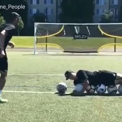 People Are Awesome - Epic Football Skills & Trick Shots Compilation #无运动,不生活#