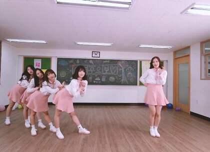 #Girl's Alert - Dreamgirls# 校园风~~~你谈谈第一眼的感觉~~~2017年4月出道😲#舞蹈##敏雅韩舞专攻班# 公众号:MinyaCola