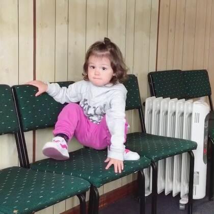 等看医生的时候#小团子#有点不耐烦😅最近不太听话,喜欢反着干,难道这就是terrible 2😢#宝宝#