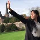 #舞蹈##桃花旗袍# 视频手机拍于德国富尔达(Fulda),一座非常美丽的古城,😍音乐舞蹈By2《桃花旗袍》,我的微博@微小微