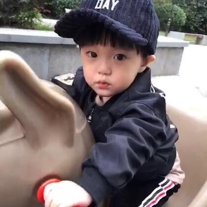 下楼遛孩子啦哈哈#宝宝##萌宝宝#