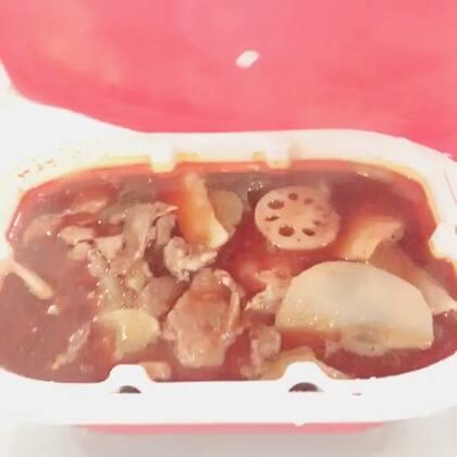 今天吃到了传说中的方便火锅,我好土