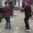 尬舞我只服这两位😂😂😂#搞笑##舞蹈#