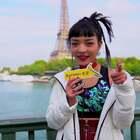 """VAVA:中国有嘻哈巴黎有""""蕉VA""""   香蕉街拍"""