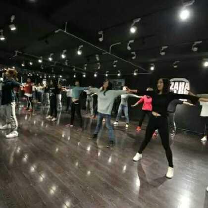 这些充满活力的同学们,可是新东方的老师呦#西安街舞#