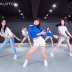#舞蹈##1milliondancestudio##支字舞##mayjlee# 1M x 支付宝,May J Lee编舞二次元魔性支字舞,与支付宝一起打造支付新风潮!大家一起跳,May J Lee来找大家尬舞了~💃 更多精彩视频请关注微信公众号: 1MILLIONofficial