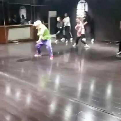 璐璐老师边唱边跳式教学😁😁😁#西安街舞##热门##嘉禾舞社#@Emma-lu