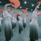 优雅扇子舞#中国舞#身韵组合技巧满满,零基础学员集训成果,太美!练功房舞蹈秀,➕微信danse112咨询#舞蹈#,说不定下一个就有你😎#运动#