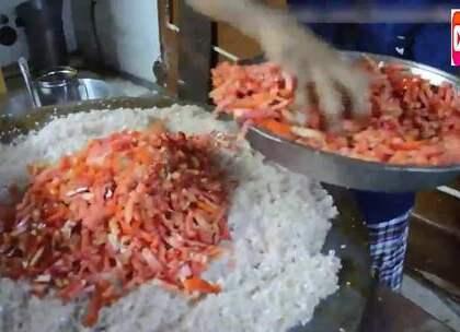 开挂的印度小吃,一次炒210个鸡蛋,这场面你见过吗?不知道这要买多少钱一份合适?