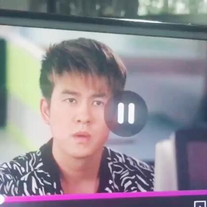 老大在电视剧《Lion Mum 2》装可怜。哈哈哈!#拍戏##阿德##新加坡#