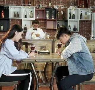 郑云工作室:没钱,还丑,没男人味,这样的你要怎么找到女朋友?#如何找到心仪对象##搞笑视频#