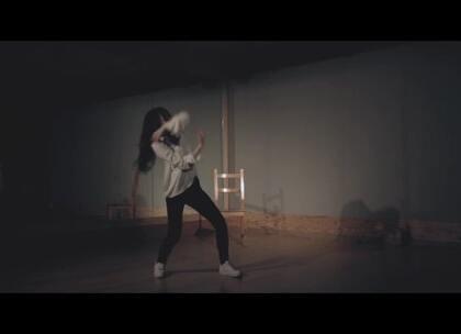 #金请夏 - WEEK# 舞姿优美。#舞蹈##敏雅韩舞专攻班# 公众号:MinyaCola