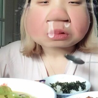 #丑你咋地##中国吃播##欧美范#