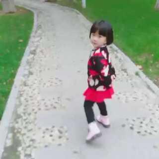 #自拍##宝宝#散步