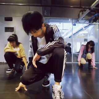 #武汉威卡舞蹈#2017.10.22 小志老师#舞蹈##exo power#