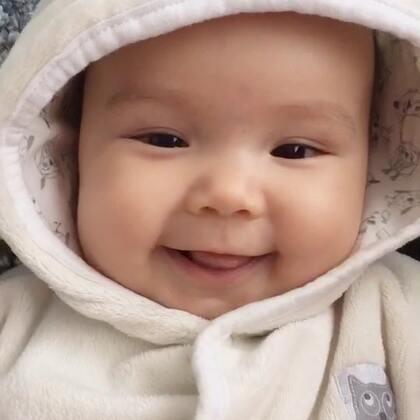 #宝宝##二胎时代##荷兰混血小小志&柒#没错,我是来卖萌的... ...😋