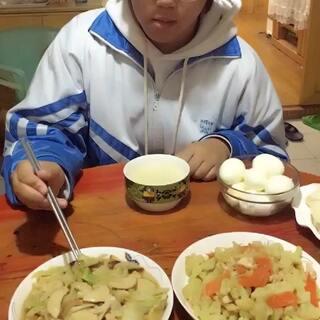 #吃秀##潇岩的早餐#早上好😊