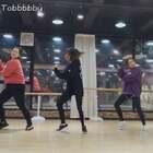 #防弹少年团##gogo#跳的是VIVA舞室那个版本。从左至右:小宝 yomo 腻妮(我)#我要上热门#