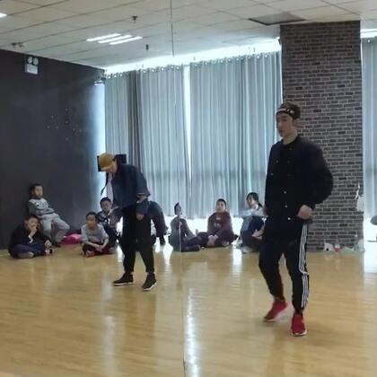 #KingSoul#记录一段舞邦Kun的编舞 音乐:overload 身体内在的质感控制还需要提高 so 继续努力💪