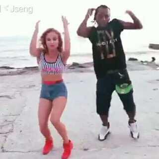 热门舞蹈Sia - Cheap Thrills ft. Sean Paul#舞蹈##欧美超赞mv##欧美舞蹈#
