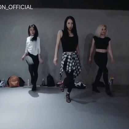 #舞蹈##1milliondancestudio# Mina Myoung编舞Ready For It更多精彩视频请关注微信公众号:1MILLIONofficial