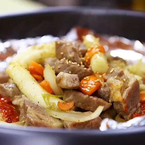 【朝族媳妇辣白菜美拍】在韩国每每到冬天,路边的一些热...