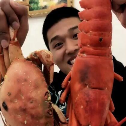 今日的龙虾两斤多重,全网最低价的海鲜,尽在二狗小黑的海鲜微信,加主页微信哦#我要上热门##美食#