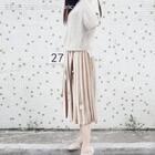 #穿秀##我要上热门#重工设计!手工珠花柔软羊毛针织毛衣➕绒面珠花百褶裙,喜欢的加微信nxyc92👉🏻👉🏻👉🏻