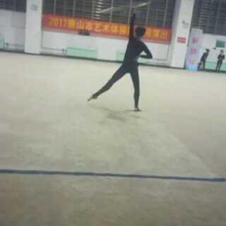迷之封面😂😂@童童crystal @小叶子🙏💘 @当年的春天 哈哈,这些小伙伴全是我偷拍的哦😋😋😋#训练打卡日##艺术体操运动员#