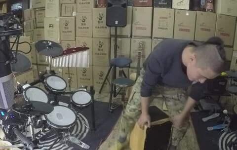 【凯文先生在路上美拍】#音乐##箱鼓##卡宏鼓# 箱鼓 卡洪...