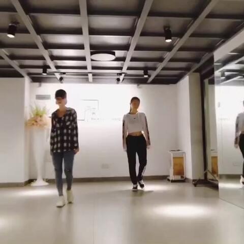 【蒋雨奚美拍】#may j lee编舞##舞蹈##drops# @...