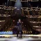 张杰在节目上现场唱得《情深深雨蒙蒙》,赞!💘