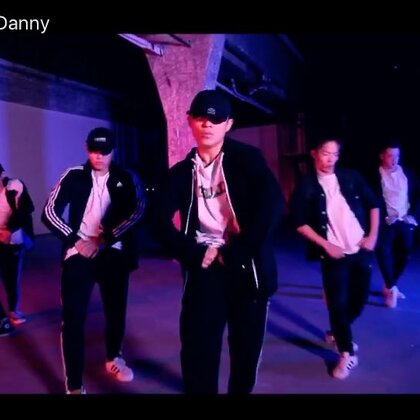 来啦来啦!大风天发出我的慢hold之作!又一段抒情#编舞#作品:I'II Show U #孟祥鹏danny##舞蹈#