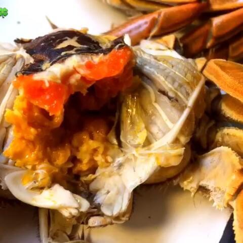 【云朵瑶🍀美拍】#美食#是什么让螃蟹这么听话……...