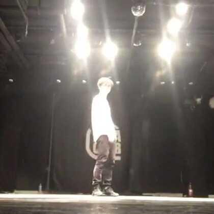 排完练一帮人玩起了freestyle,带着心境去跳舞总是对的#街舞##freestyle##嘉禾舞社#